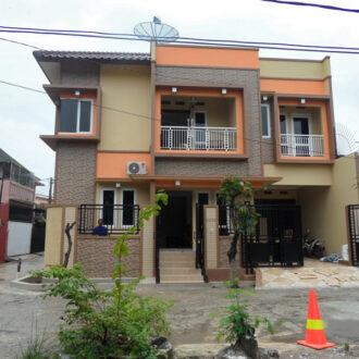 Rumah 2 Lantai di Mustika Jaya, Bekasi