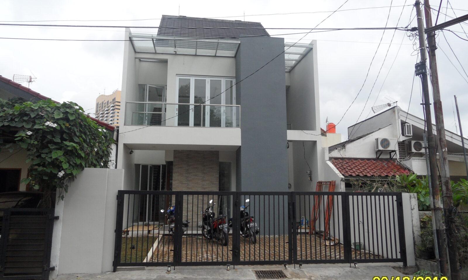 Ruma Tinggal 2 Lantai di Bona indah , Jakarta Selatan